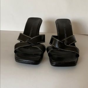 👠 Sandals
